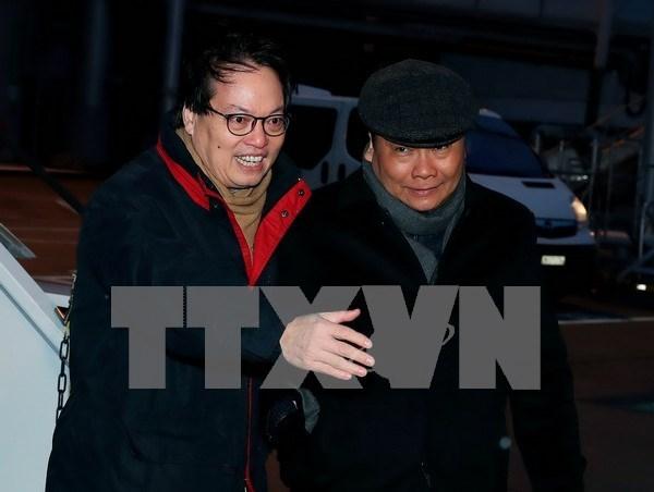 Premier vietnamita llega a Suiza para reunion del Foro Economico Mundial hinh anh 1