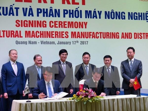 THACO coopera con grupo sudcoreano para fabricacion de maquinas agricolas hinh anh 1