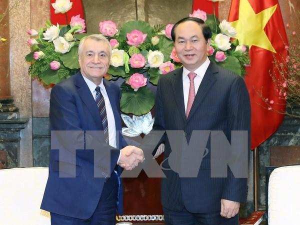 Presidente de Vietnam ofrece medidas para impulsar comercio con Azerbaiyan hinh anh 1