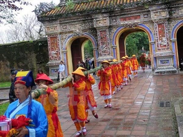 Celebran rito milenario en ocasion del Tet en ciudadela imperial de Hue hinh anh 1