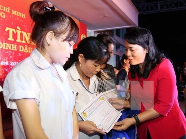 Vietnam garantiza un Tet feliz para todo el pueblo hinh anh 1