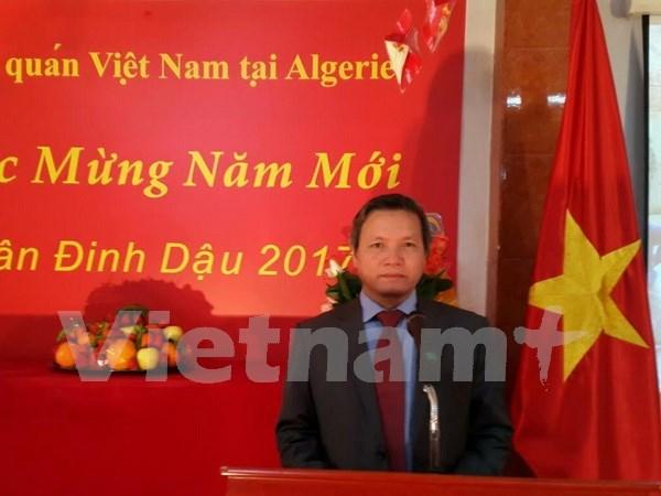 Vietnamitas en Argelia saludan Ano Nuevo Lunar hinh anh 1