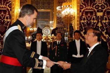 Rey Felipe VI: Espana prioriza relacion con Vietnam hinh anh 1