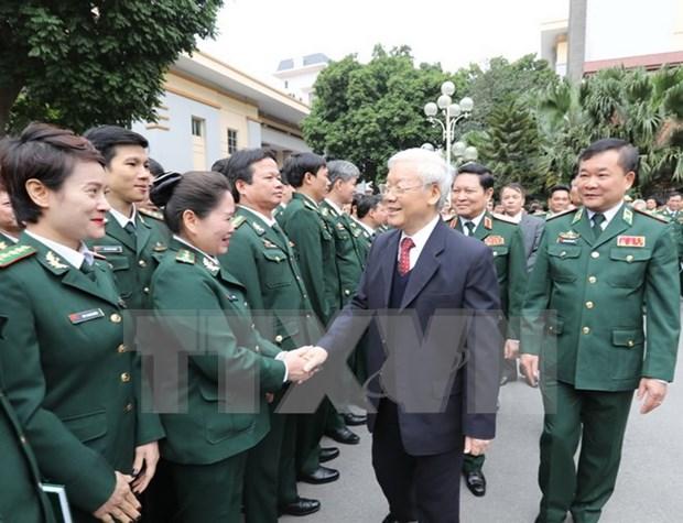 Lider partidista visita Mando de Guardia de Fronteras en ocasion del Tet hinh anh 1