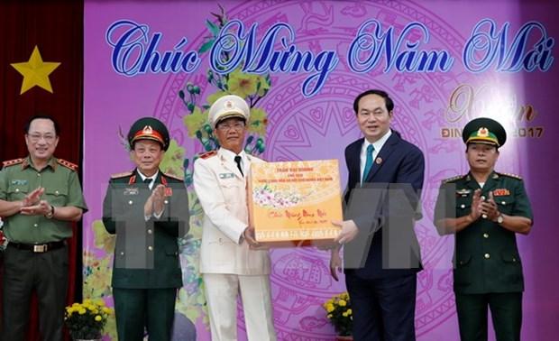 Presidente desea un Tet feliz y prospero para pueblo vietnamita de An Giang hinh anh 1