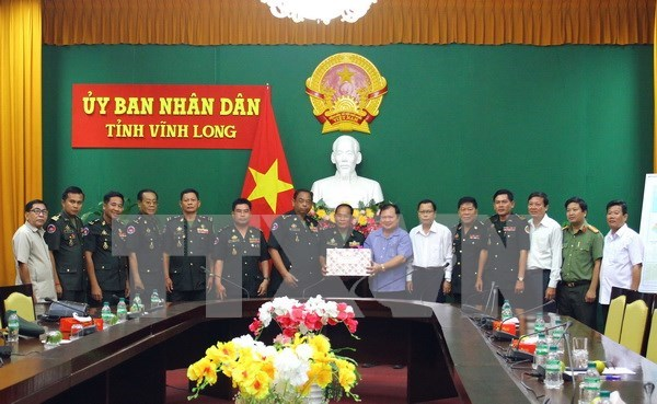 Felicitan funcionarios camboyanos a provincia de Vietnam con motivo del Tet hinh anh 1