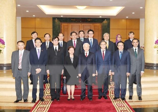 Lider partidista recibe a representantes diplomaticos de paises miembros de ASEAN hinh anh 1