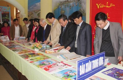 Celebran en localidades vietnamitas Festival Primaveral de la Prensa hinh anh 1