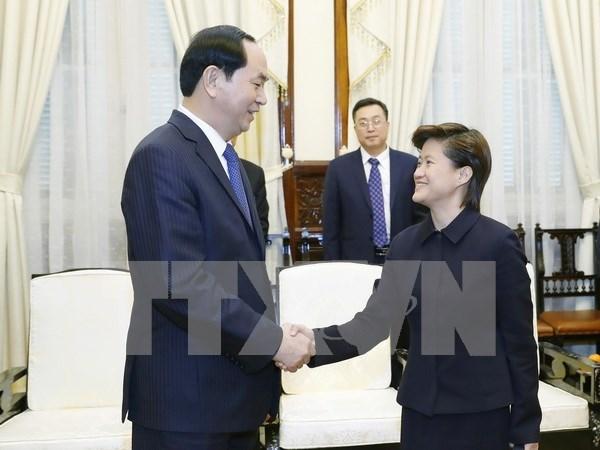 Presidente vietnamita llama inversiones singapurenses en parques industriales hinh anh 1