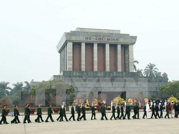 Rinden homenaje a Ho Chi Minh con motivo de aniversario de Partido Comunista hinh anh 1
