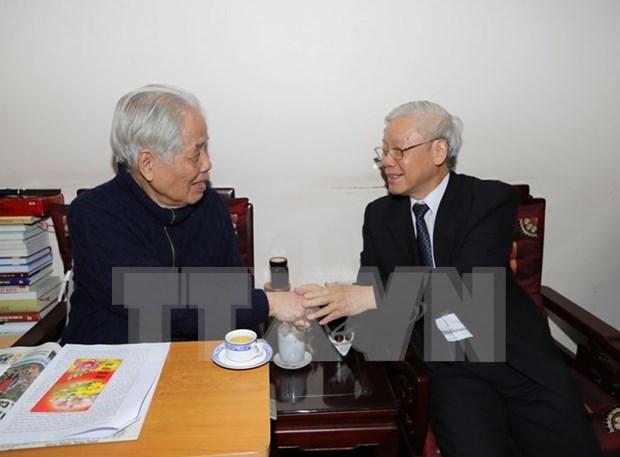 Lider partidista de Vietnam rinde tributo a sus predecesores hinh anh 1