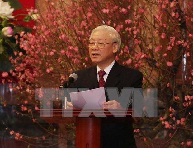 Lider partidista felicita a exdirigentes y veteranos por Ano Nuevo Lunar hinh anh 1