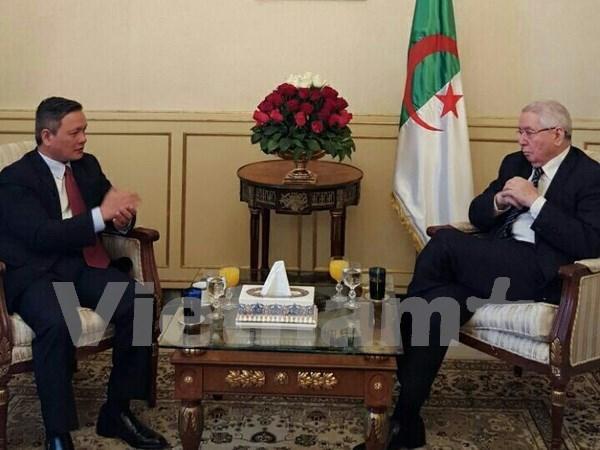 Argelia interesado en intensificar nexos legislativos con Vietnam hinh anh 1