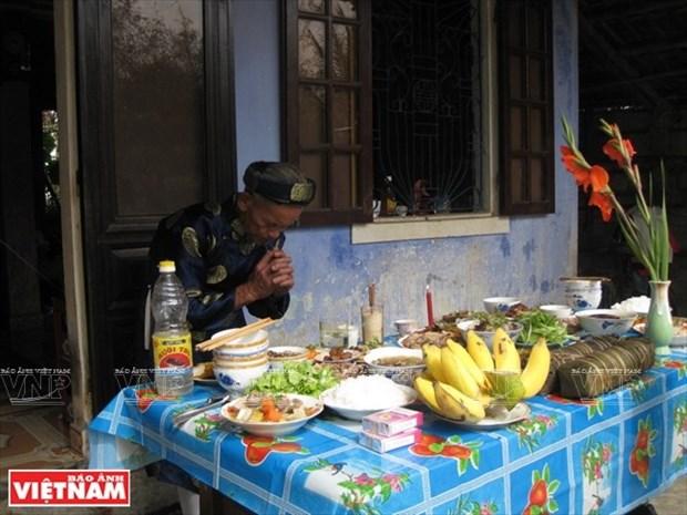 Viet Nam: Ofrendas para ancestros hinh anh 1