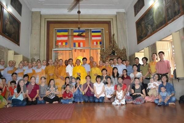 Vietnamitas en la India e Italia celebran el Tet hinh anh 1