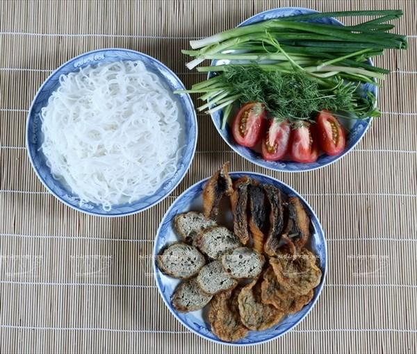 Sopa de fideos de arroz con pescado en Hai Phong hinh anh 1