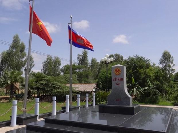 Inician construccion de hitos secundarios en frontera Vietnam – Camboya hinh anh 1