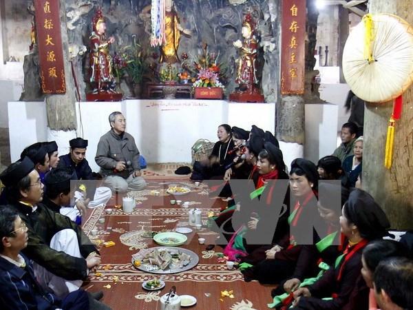 Festival de canto folclorico ameniza ambiente primaveral de provincia vietnamita hinh anh 1