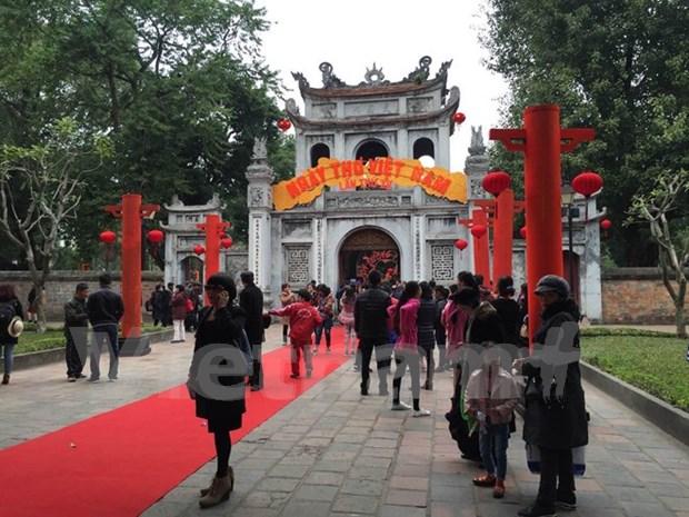 Dia de Poesia vietnamita honra cultura milenaria del pais hinh anh 1