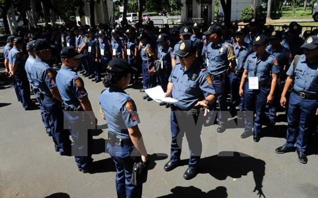 Filipinas despide a centenar de policias por uso de drogas hinh anh 1