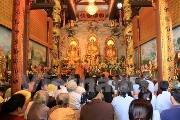 Vietnamitas en Laos reunen en ocasion del Ano Nuevo Lunar hinh anh 1