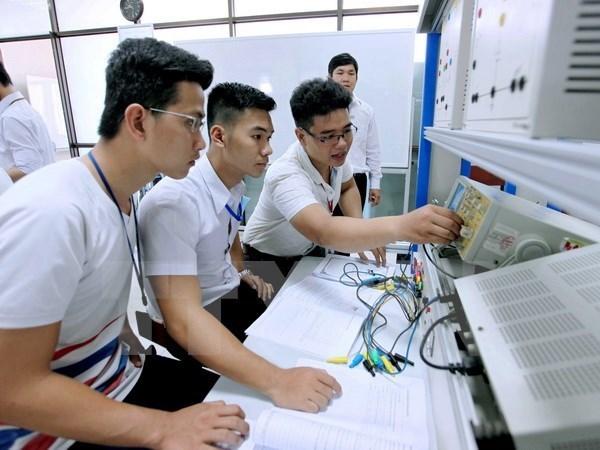 Universidad vietnamita cumple estandares regionales de educacion hinh anh 1