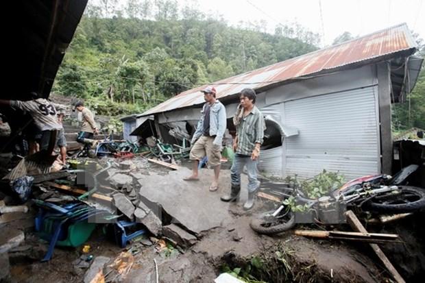 Inundaciones en Indonesia obligaron a miles de personas a abandonar sus hogares hinh anh 1