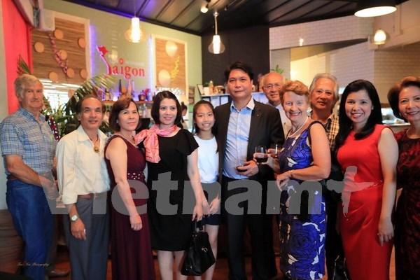 Celebran vietnamitas en Nueva Zelanda llegada de primavera hinh anh 1