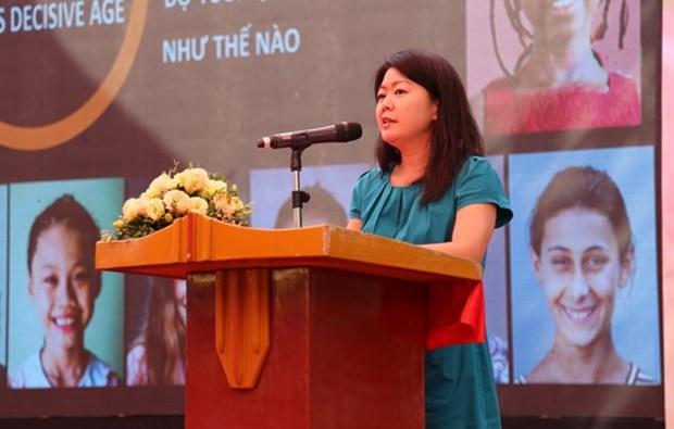 Entregan medalla conmemorativa a vice-representante de UNFPA en Vietnam hinh anh 1