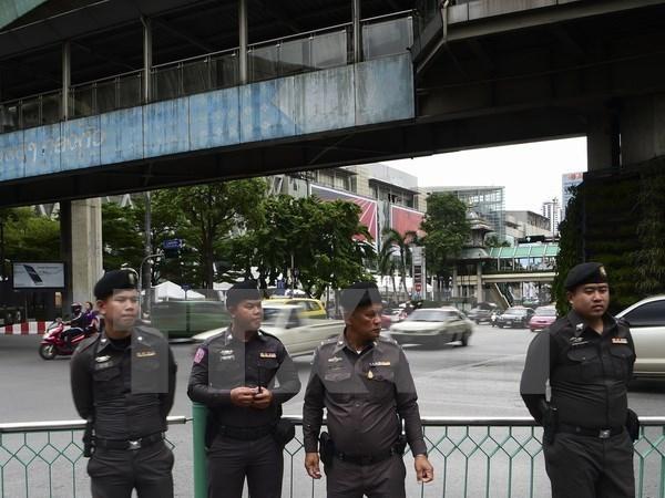 Policia tailandesa asedia templo de secta budista hinh anh 1