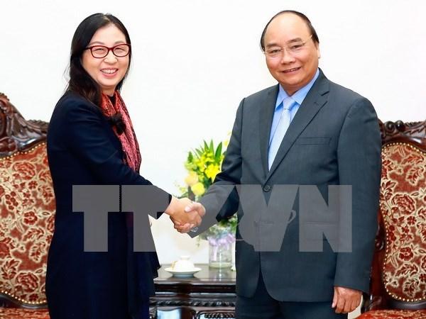 Premier vietnamita respalda cooperacion con grupo de tecnologia Huawei hinh anh 1