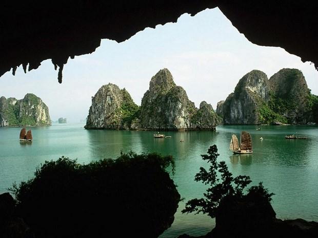 Vietnam figura entre los 10 destinos mas economicos para luna de miel hinh anh 1