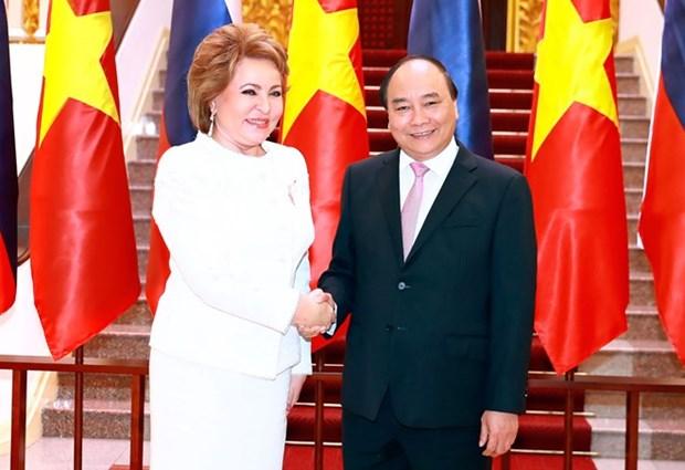 Primer ministro de Vietnam recibe a presidenta de Senado de Rusia hinh anh 1