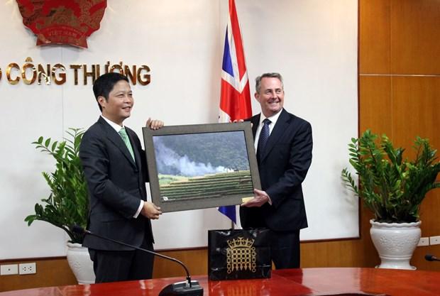 Reino Unido aspira a impulsar nexos comerciales con Vietnam hinh anh 1