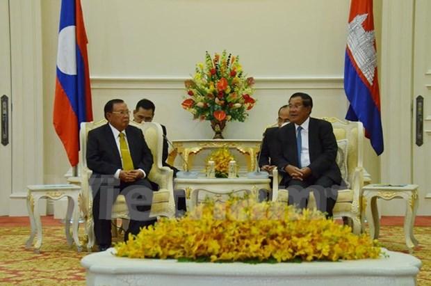 Camboya y Laos prometen fortalecer cooperacion hinh anh 1