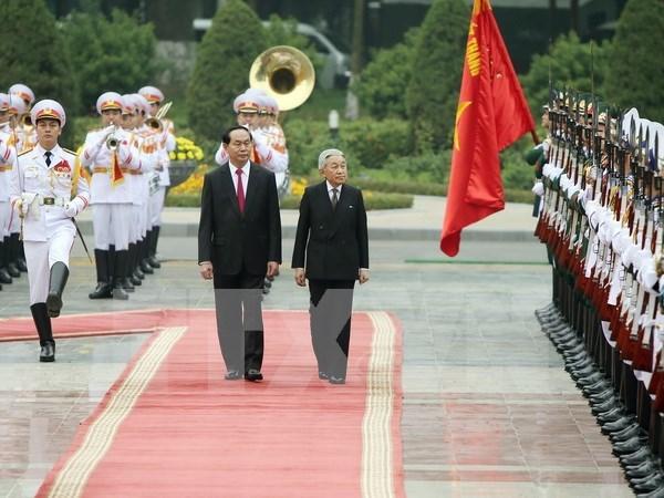 Presidente de Vietnam recibe a Emperador de Japon hinh anh 1