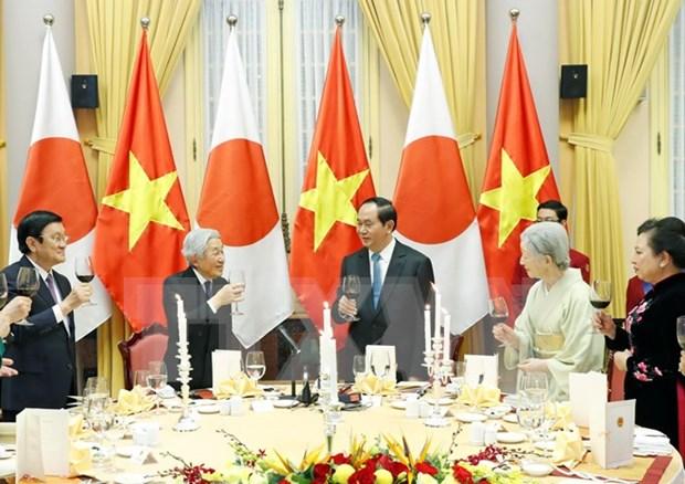 Vietnam organiza banquete estatal en honor del Emperador y la Emperatriz de Japon hinh anh 1