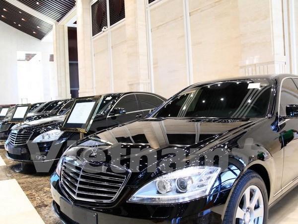 Laos subasta automoviles de altos funcionarios hinh anh 1
