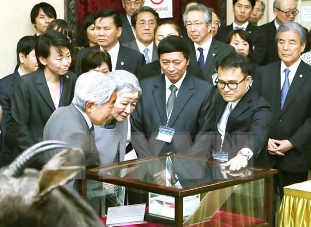 Emperador japones visita museo biologico en Vietnam hinh anh 1