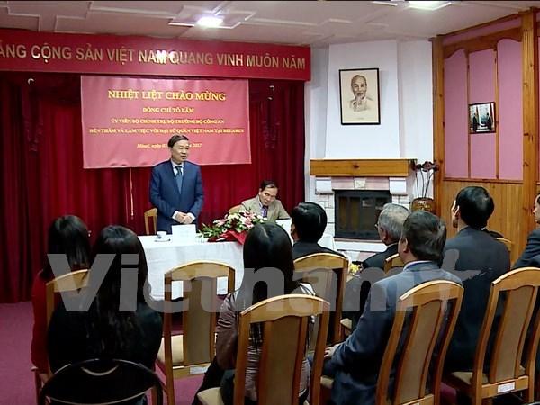 Ministro vietnamita reitera importancia de relaciones con Belarus hinh anh 1