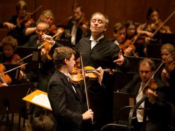 Performance de orquesta sinfonica de Londres ameniza noche de Hanoi hinh anh 1