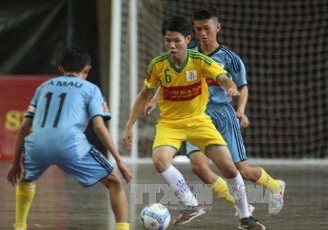 Realizan en urbe vietnamita evento futbolistico para ninos desfavorecidos hinh anh 1