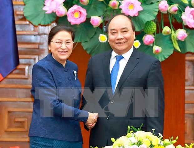 Premier vietnamita recibe a la presidenta de la Asamblea Nacional de Laos hinh anh 1