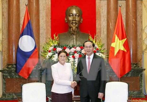 Presidenta parlamentaria de Laos se compromete a impulsar acuerdos con Vietnam hinh anh 1