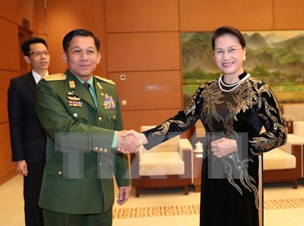 Titular del Parlamento propone asistencia para negocios vietnamitas en Myanmar hinh anh 1