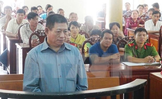 Condena Vietnam a 25 anos de carcel a expolicia camboyano por homicidio hinh anh 1