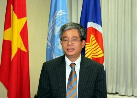 Embajador vietnamita reitera politica de su pais de continuar integracion economica internacional hinh anh 1