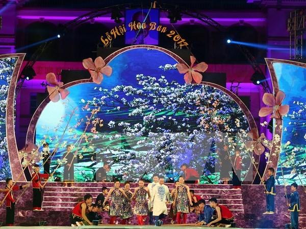 Festival de Flor de Bauhinia presenta la imagen y gente de Dien Bien a visitantes hinh anh 1