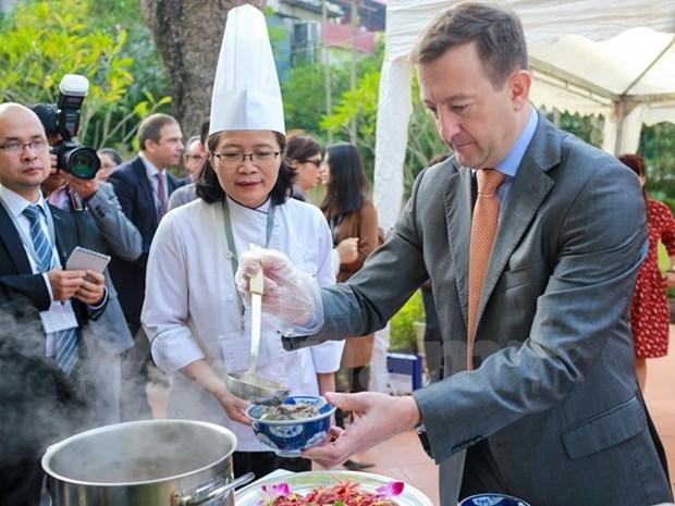 Cocineros de 24 restaurantes vietnamitas demostraran tecnicas de culinaria francesa hinh anh 1