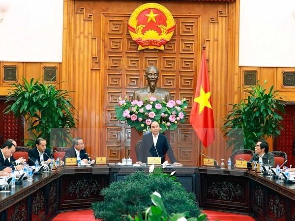 Premier vietnamita urge a mayor socializacion en sector de transporte hinh anh 1